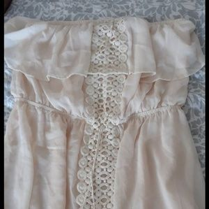 Dresses & Skirts - Beautiful flowy crochet dress